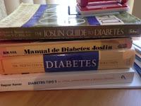 Ratón de biblioteca, con diabetes, pero el queso tiene pocos carbohidratos.