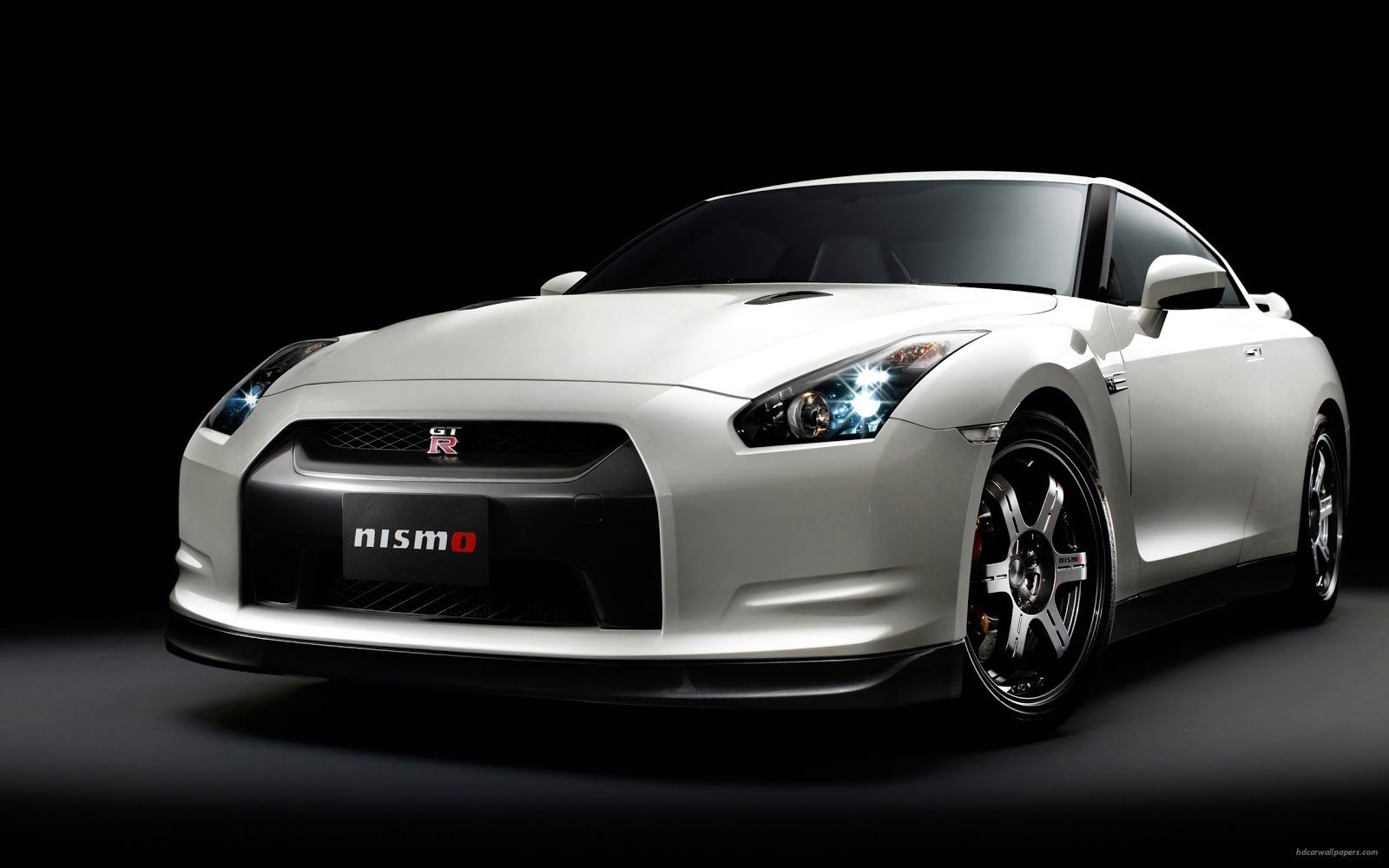 World Of Cars Nissan Gtr Wallpaper Hd 1