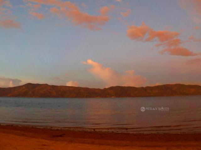 Pantai Sibolazi, Sisi Lain Keindahan Pulau Samosir