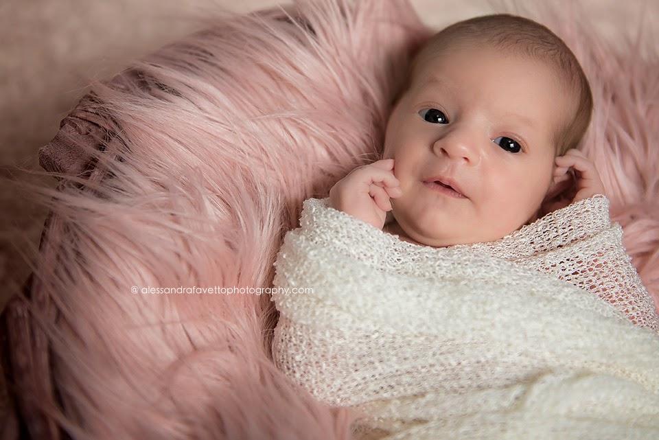 Fotografía recién nacidos y bebes a domicilio en Sevilla y provincia