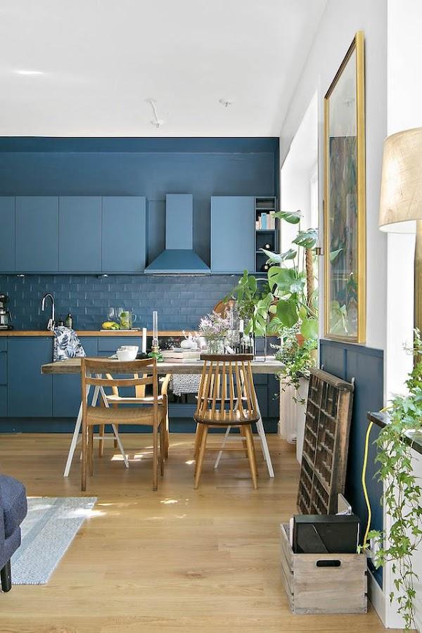 cocina pintada de azul mediterráneo