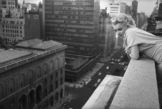 Marilyn Monroe In Manhattan 1950 S Vintage Everyday