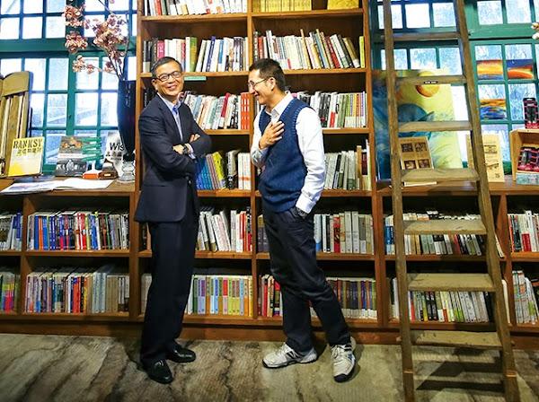 AAMA台北搖籃計畫共同創辦人顏漏有(左)vs.多扶事業執行長許佐夫(右)
