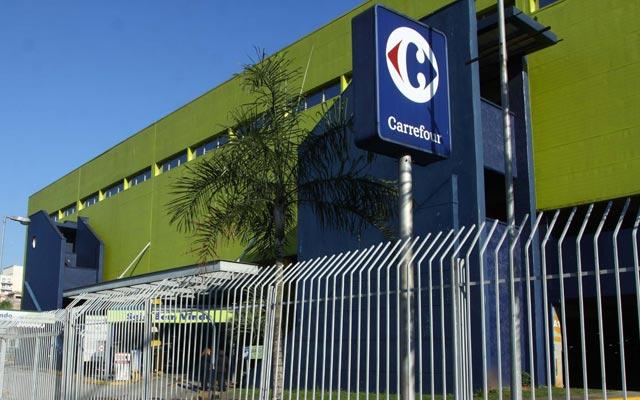 Carrefour é condenado a pagar R$ 1 milhão em danos morais por castigar funcionários