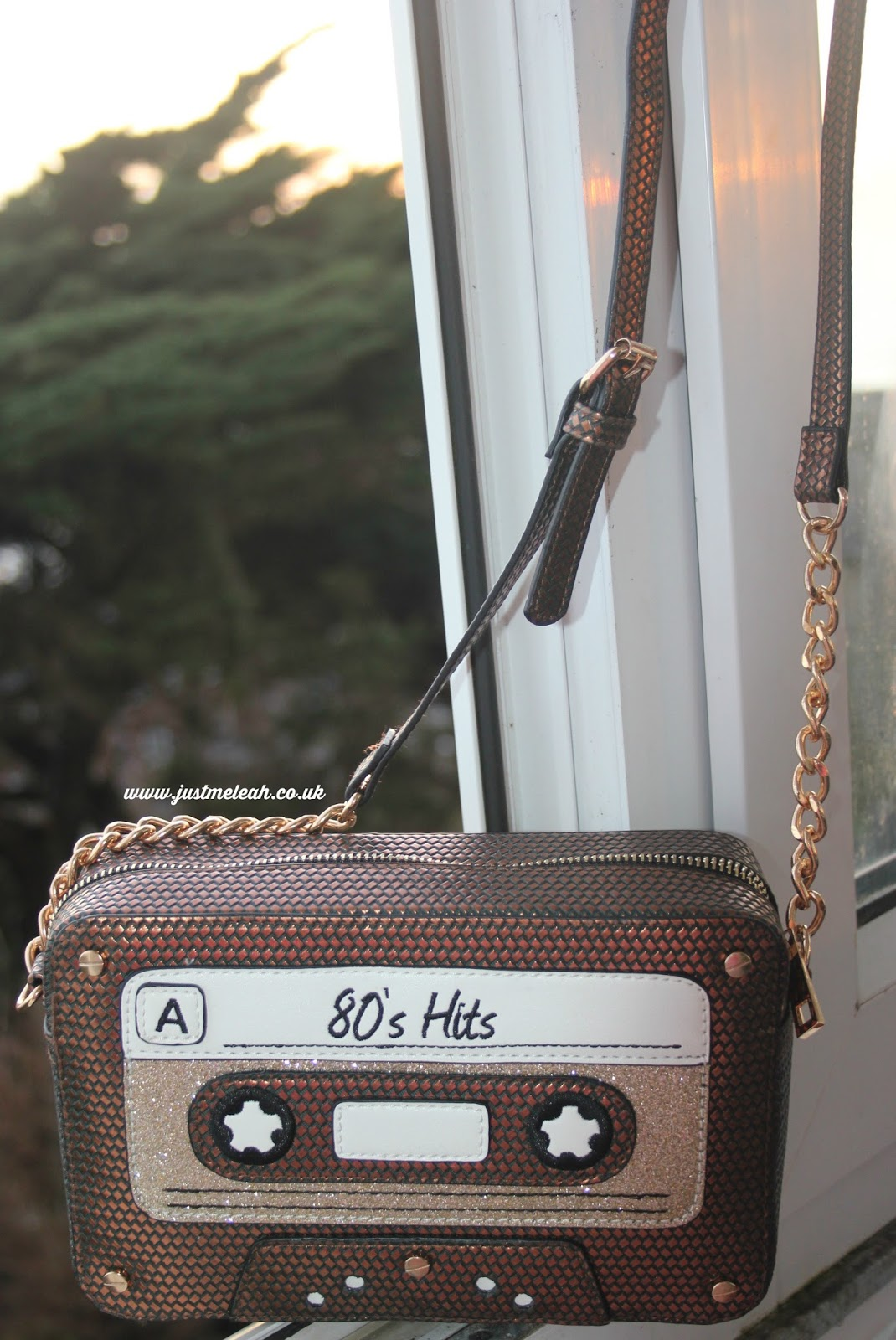 ACCESSORIZE 80S HITS RETRO HANDBAG REVIEW