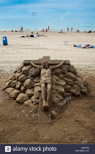 Những bức tượng Chúa được làm từ Cát tuyệt đẹp - Ảnh minh hoạ 4