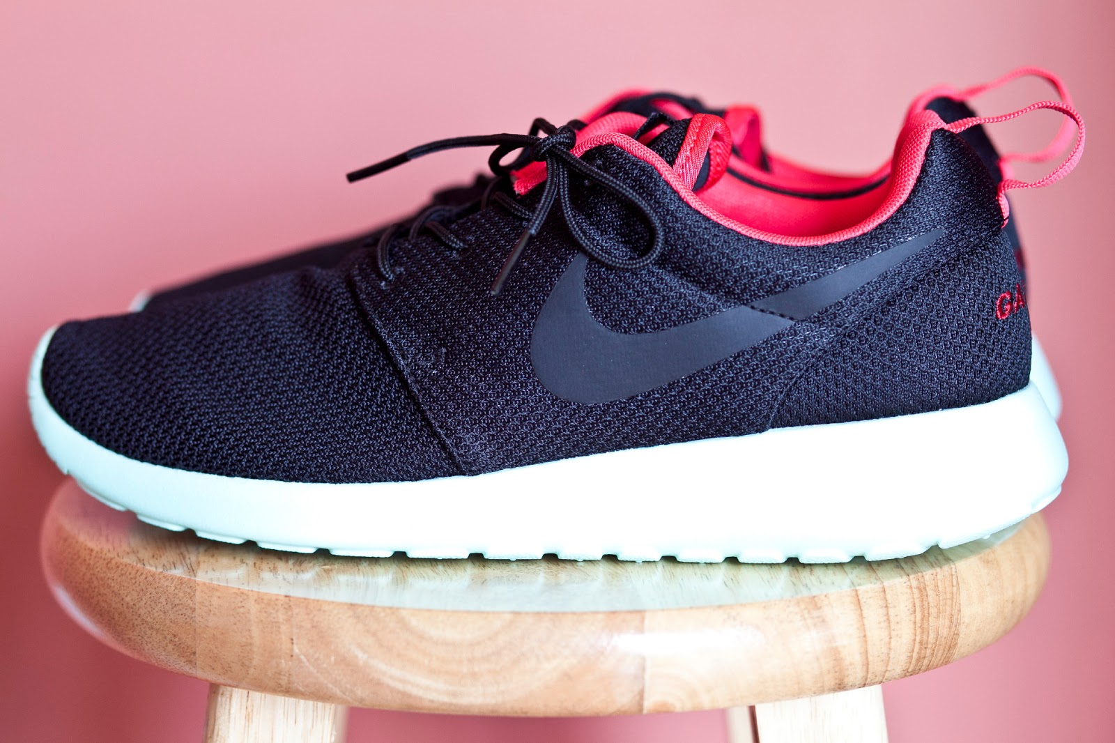 Alex Grant: Yeezy II Inspired Nike Roshe Run
