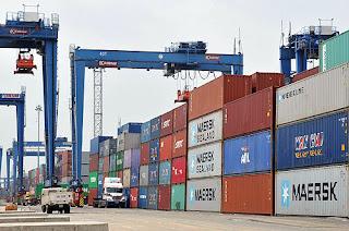 thủ tục hải quan hàng chuyển cảng