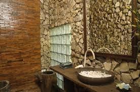 desain kamar mandi pakai batu alam, desain kamar mandi dgn batu alam, kamar mandi batu alam, kamar mandi minimalis batu alam, kamar mandi batu alam minimalis