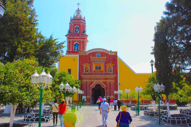 Santa Maria Tonantzintla exterior cholula