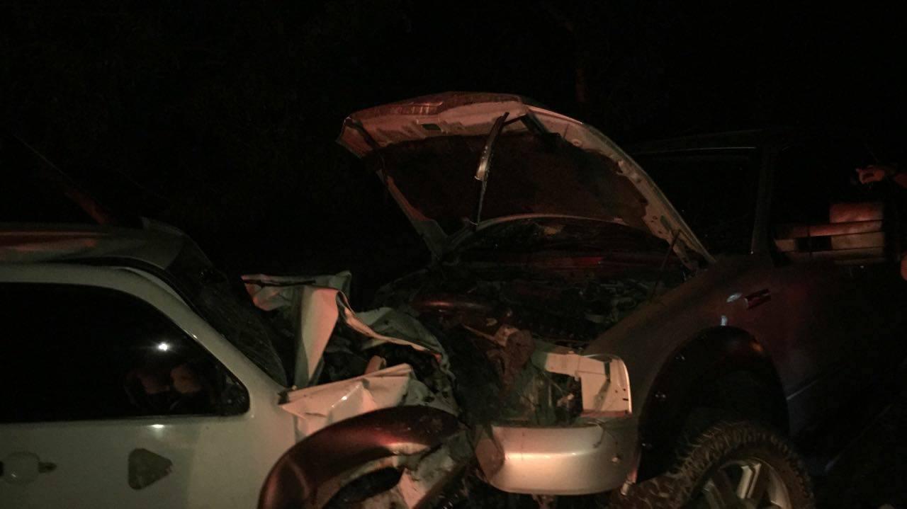 Barahona.- Aparatos Accidente entre dos  camionetas deja 2 muertos y 4 heridos