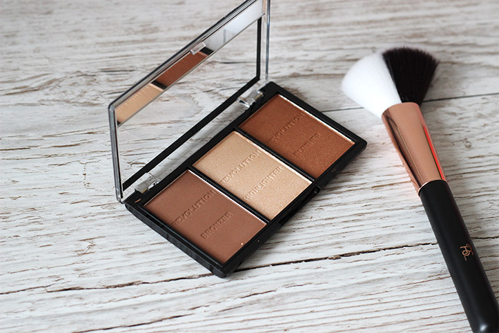 MAKEUP REVOLUTION CONTOUR HIGHLIGHT KIT