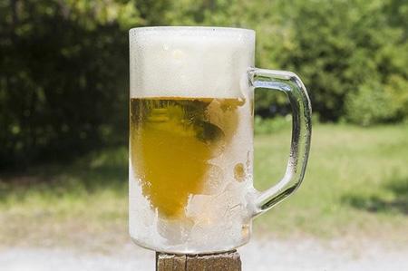 freezed%2Bbeer%2Bglass.jpg