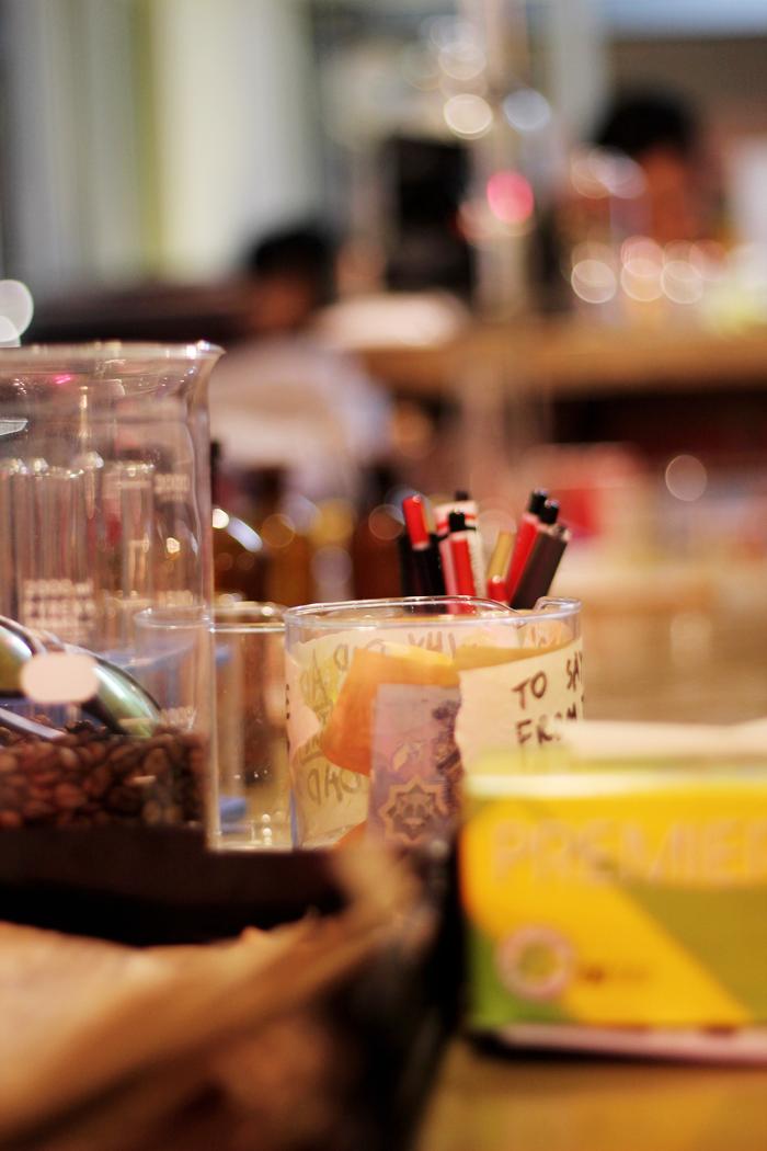 nerdee ner dee ner|dee cafe café brunei regent square interior