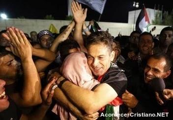 Israel libera terroristas palestinos