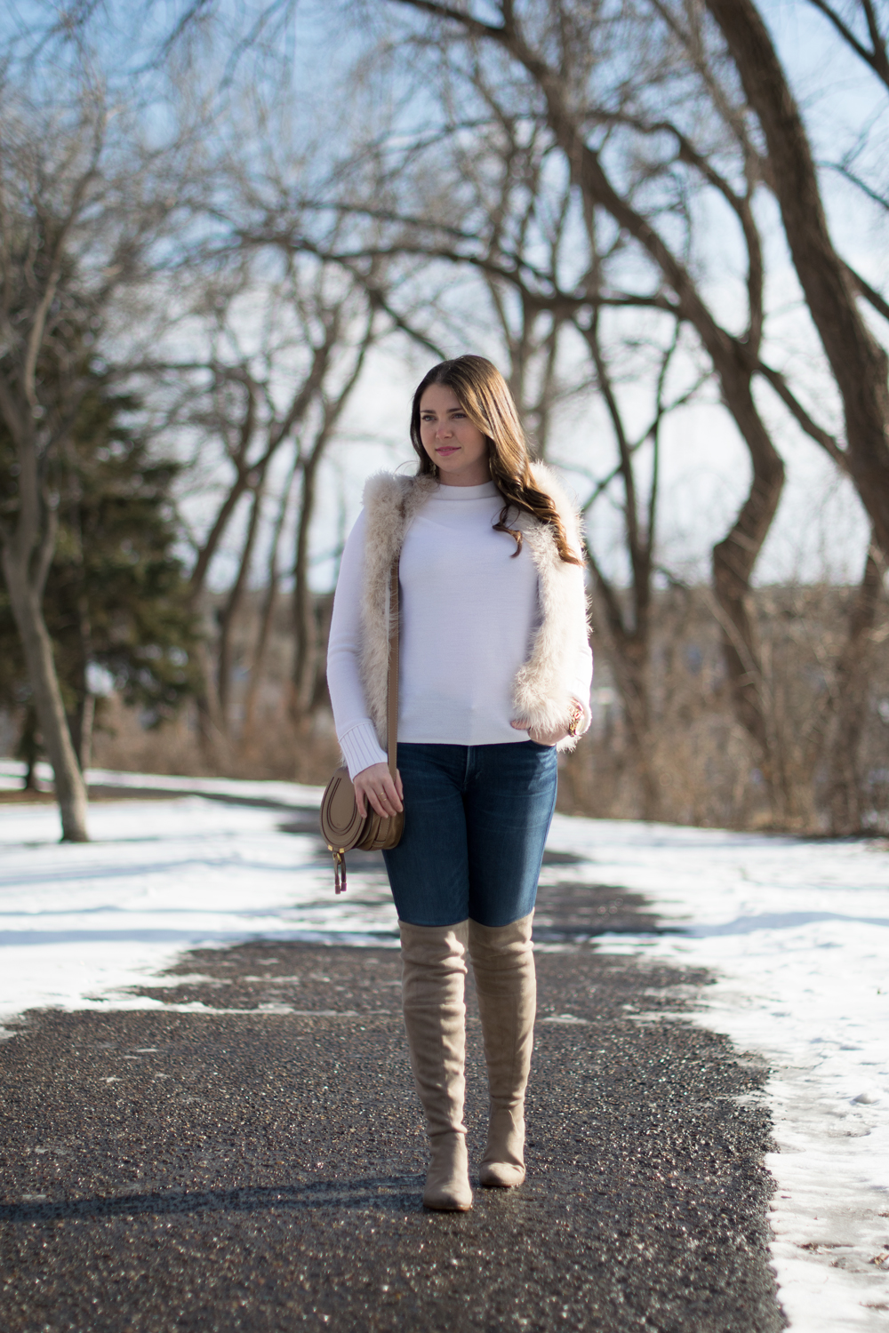 Casual winter white outfit inspiration.