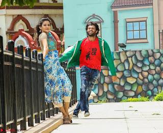 Pooja Jhaveri romancing Vijay Devarakonda in movie Dwaraka (17).jpg