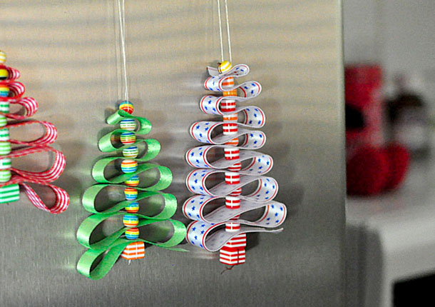 DIY Christmas decoration made of beads and satin ribbons, christmas hanging decorations diy, hanging christmas decorations to make