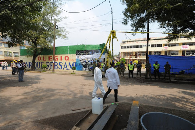 Padres del Colegio Rébsamen piden a la SEP becas para sus hijos hasta la universidad