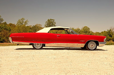 1965 Pontiac Bonneville Convertible Side Right