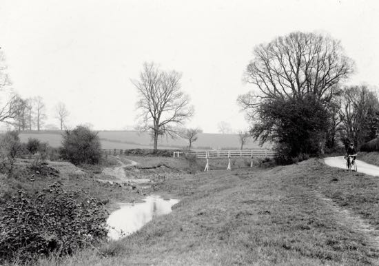 Photograph of High Bridge, Warrengate Road, Water End, in the 1900s before the water works Image from G. Knott / P Miller, part of the Images of North Mymms collection