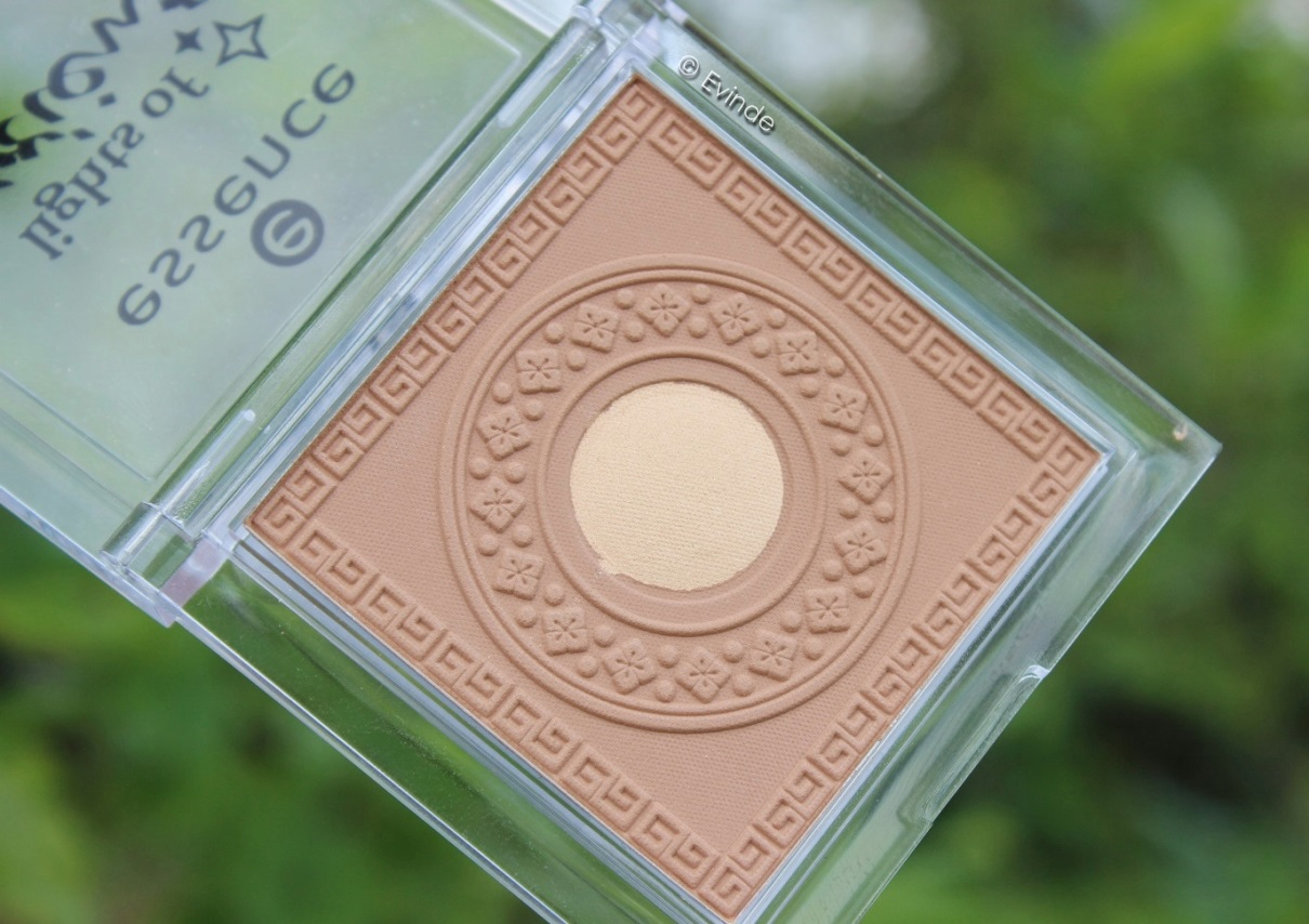 Essence Lights of Orient bronzer