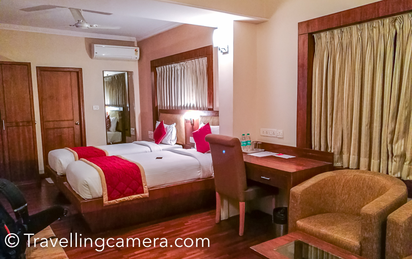 Accommodation : One simple tip to chose your accommodation is to opt for location which is closer to the place you want to visit more frequently. E.g. - If you are in Banglore for business trip, chose you hotel close to the office otherwise you would end up spending hours on the road in the morning as well as in the evening. If you have any local contact who is helping you with local booking, ensure that s/he understands your needs well and find a place close to the office.    In terms of cost, variety of accommodations are available. Oyo is one of the cheapest option but you need to carefully check the reviews of the property mentioned. Oyo is not very consistent, so be careful before choosing. If you are in the city for a longer period of time with family or in a group, you may also want to chose a home-stay through Airbnb. Banglore city has some of the best 5-star hotels, boutique hotels and business hotels.     Related posts :    Novotel Bengaluru - A good business hotel in TechPark Splendour Park Hotel, MG Road, Bengaluru - A quick review  New Rainbow Business Hotel, Brigade Road, Bengaluru - A Quick Review