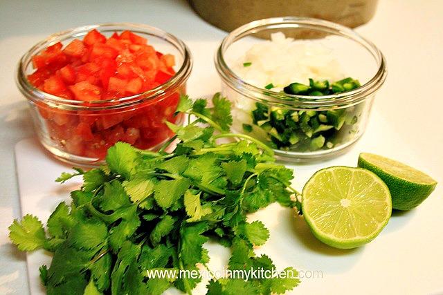 salsa pico de gallo mexicana