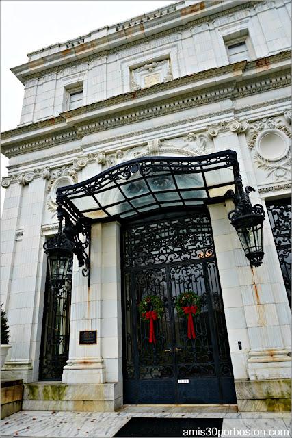 Puerta Principal de la Mansión Rosecliff, Newport