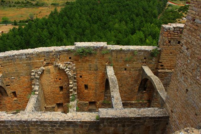 Las dependencias de los monjes y de los nobles que habitaron el castillo de Loarre