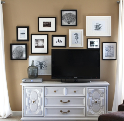 gallery wall living room TV