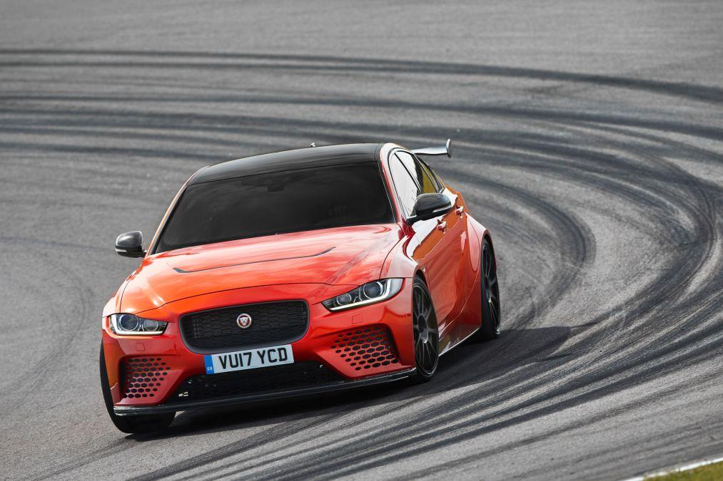 Jaguar XE nhập khẩu 2019