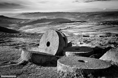 Stanage Edge mill stones