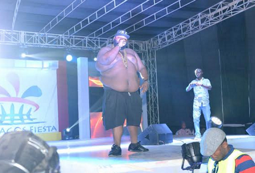 salawa-abenis-son-goes-topless-on-stage.html