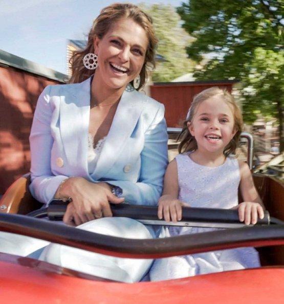 Princess Madeleine, Princess Leonore, Crown Princess Victoria, Princess Estelle, Queen Silvia and Princess Sofia
