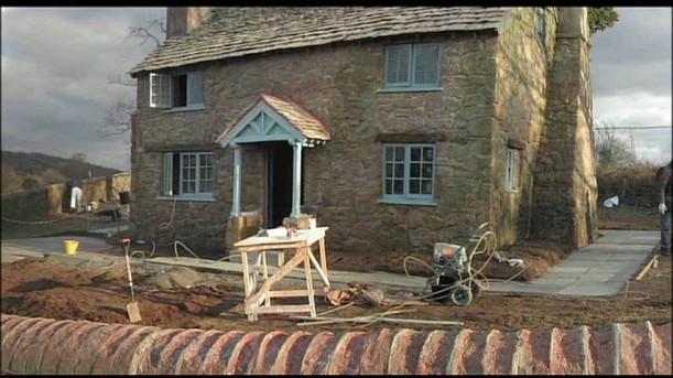 Sarah Amp Bessie An English Cottage