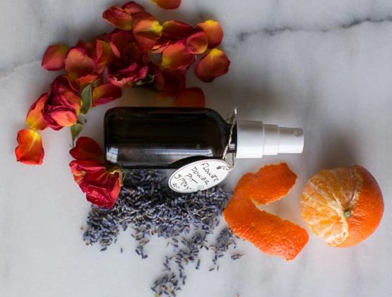 DIY: Cách làm xịt khử mùi cơ thể từ tinh dầu