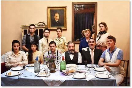 """""""Un Almuerzo Argentino""""  Obra escrita y dirigida por Bernardo Cappa"""