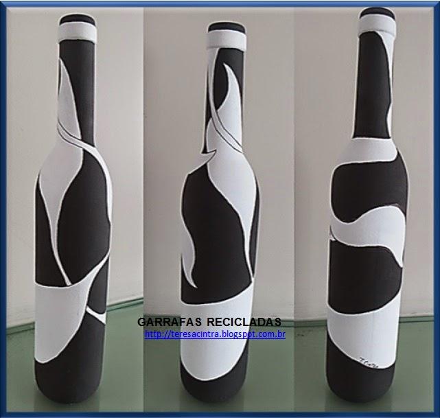 garrafas; decoração, reciclagem, pintura em garrafas; reaproveitamento; artes; reciclagem de garrafas; faça você mesmo; pintura em garrafa; garrafa fofa; artes com garrafas; pintura preto e branco; lixo é luxo