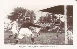 Reguzzoni insacca alla spalle del portiere dei blues Jackson, dopo avere dribblato il terzino Barkas.