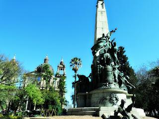 Catedral Metropolitana de Porto Alegre e Monumento Júlio de Castilhos