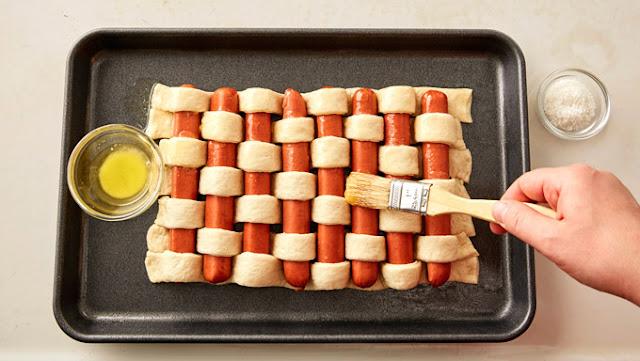 Сосиски в тесте Коврик - рецепт пошаговый с фото
