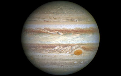 New study challenges Jupiter's role as planetary shield, protecting Earth from comet impacts