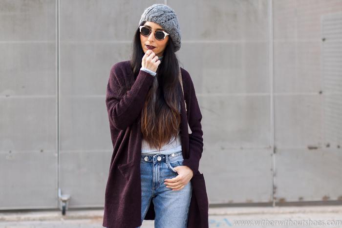 Blogger influencer valenciana con ideas outfit para vestir con frio estilosa y labios oscuros