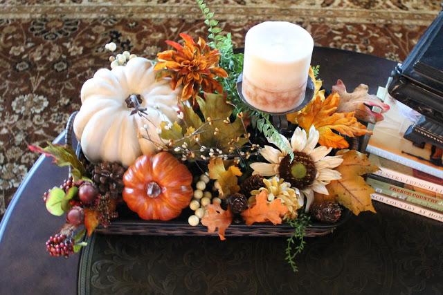 vignett-Fall-florals-pumpkins-tray-athomewithjemma.com