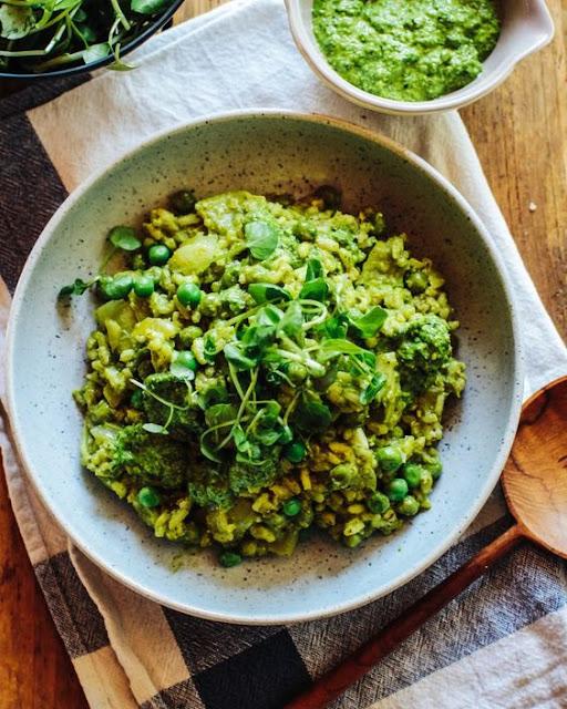 Green Rísotto wíth Spínach & Pea Pesto (Vegan)