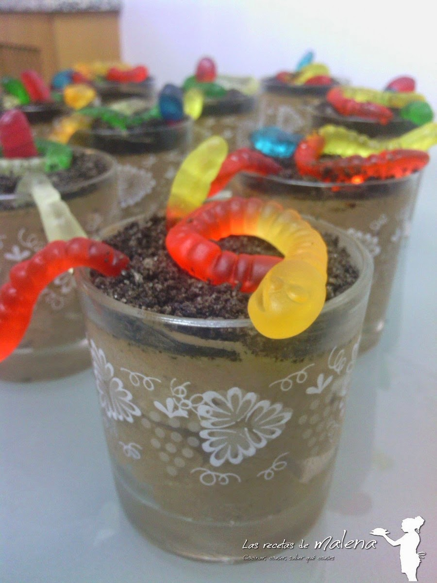 vasitos de mousse de chocolate. Receta de Halloween