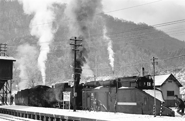 昭和49年12月、夕張線紅葉山駅