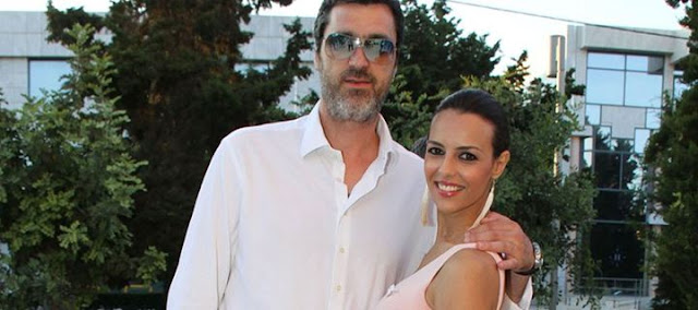 H Όλγα Λαφαζάνη και ο Νίκος Οικονόμου βάπτισαν τον γιο τους στο Ναύπλιο!