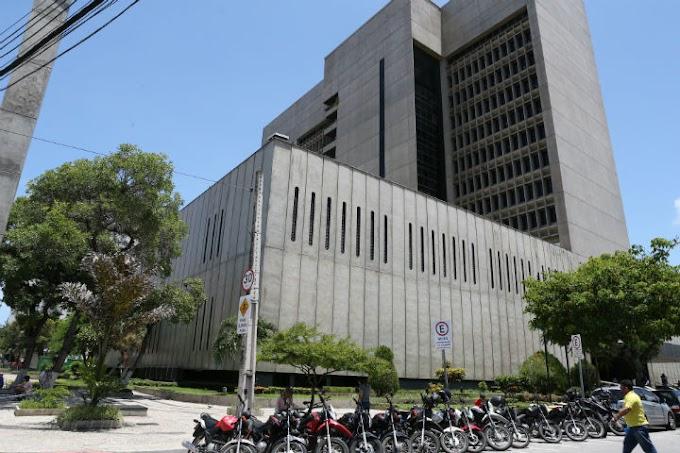 EM BREVE: Receita Federal: concurso tem previsão para 2.483 vagas a partir de R$ 4,1 mil